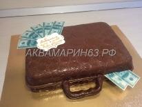 Торт в виде чемодана с долларами