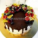 Торт на заказ со свежими ягодами и фруктами